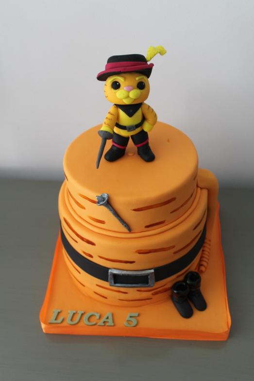 Tarta Gato con botas,  Tarta Minnie Mouse, Tartas personalizadas madrid, Tartas decoradas madrid, tartas fondant madrid, thecakeproject, Reposteria Creativa, tartas infantiles, tartas cumpleaños,