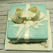 Tartas personalizadas madrid, tartas decoradas madrid, tartas fondant madrid, tartas infantiles, tartas cumpleaños, Tarta Caja Tiffanys, TheCakeProject, Repostería Creativa