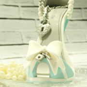 Tartas personalizadas madrid, tartas decoradas madrid, tartas fondant madrid, tartas cumpleaños, TheCakeProject, Repostería Creativa, Tarta Zapatos, Tarta Stilettos, tarta zapatos tacon, tarta Tiffany´s