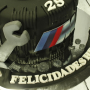 Tartas personalizadas madrid, tartas fondant madrid, tartas decoradas madrid, tarta rueda, tarta BMW