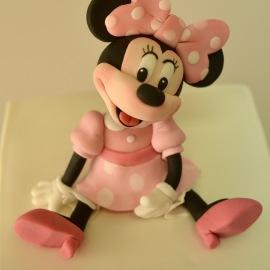 Minnie Mouse modelado en fondant
