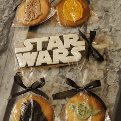 Tartas personalizadas madrid, tartas fondant madrid, tartas decoradas madrid, Star wars cake, Storm Trooper cake, tarta Halcon Milenario, tarta estrella de la muerte