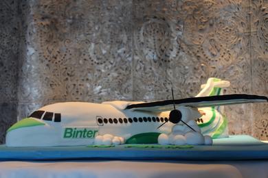 Tarta Avion Binter 3D, tartas personalizadas madrid, tartas fondant, tartas para empresas
