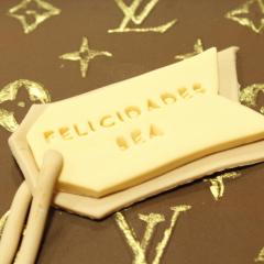 Tarta Maleta Louis Vuitton 3D, tartas personalizadas madrid, tartas decoradas madrid; tartas fondant madrid, TheCakeProject, Reposteira Creativa